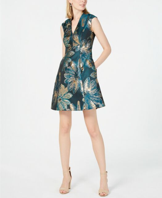 Vince Camuto Women S Blue Floral Spring Pleat Fit And