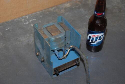 Magnetic vibrator for vibratory table INV=26762