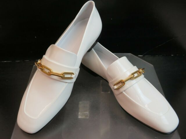 NIB BURBERRY CHILLCOT WHITE PATENT LEATHER GOLD CHAIN LOGO FLATS LOAFERS 39