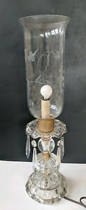 Vintage-Bedside-Vanity-Table-Lamp-With-Prisms-and-Etched-Glass-Shade