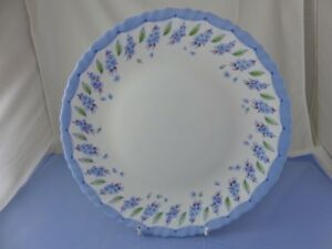 Image is loading LUMINARC-ARCOPAL-DINNER-PLATE-Blue-Border-Flowers-Scalloped & LUMINARC ARCOPAL DINNER PLATE Blue Border Flowers Scalloped | eBay