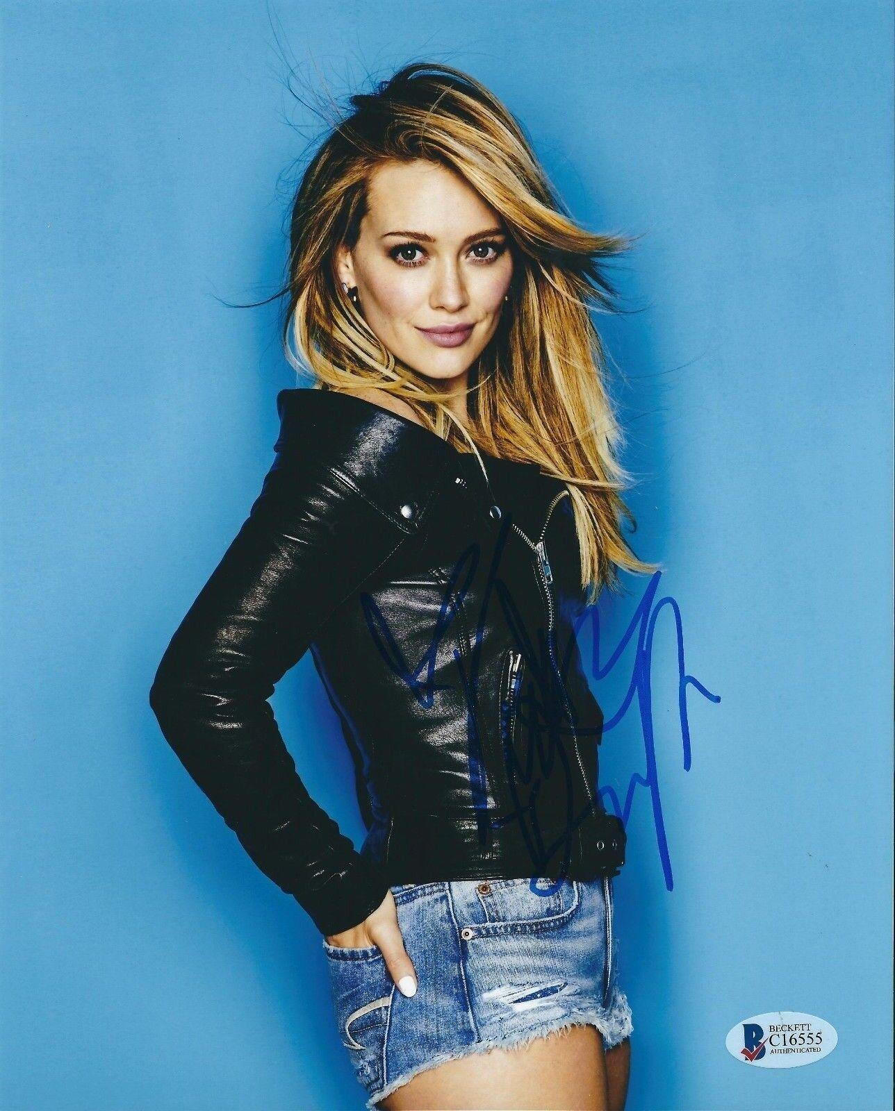 Hillary Duff Signed 8x10 Photo Beckett *Disney *Model *Actress C16555