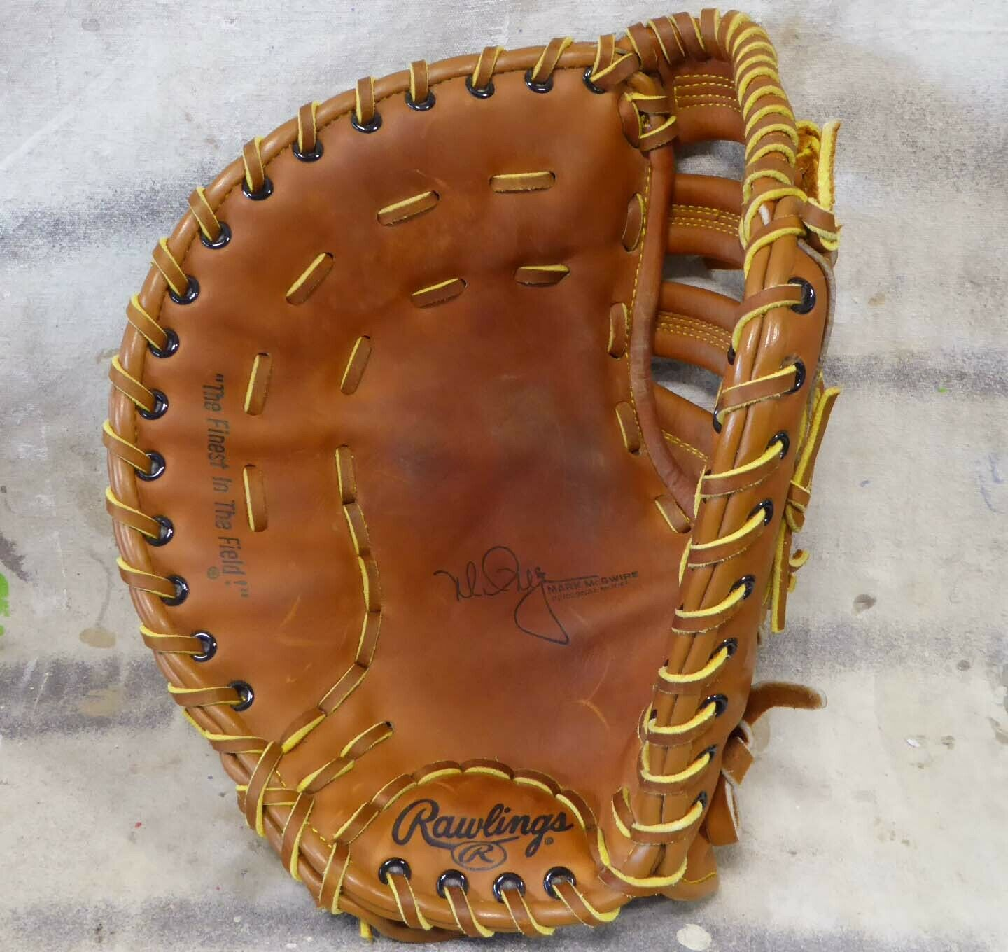 RAWLINGS RFM9 12.5  Mark McGuire MITT g  LEFT hand throw lht  NICE