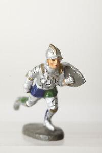 Hauser-Elastolin-Knight-With-Shield-Running-Elastolin-Germany-Mischmasse-86277
