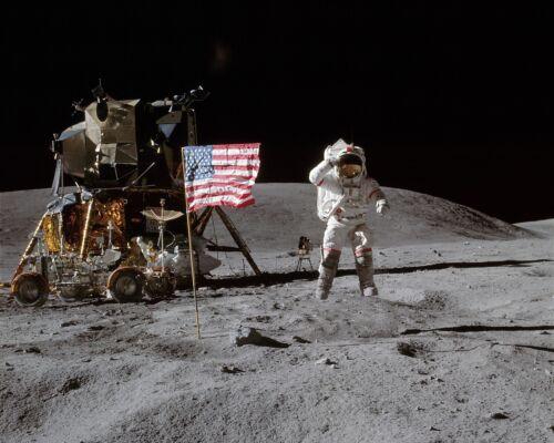 JOHN YOUNG APOLLO 16 ASTRONAUT ON THE MOON 8X10 NASA PHOTO BB-555