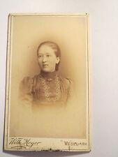 Wesel a. Rh. - Frau im Kleid - Portrait / CDV