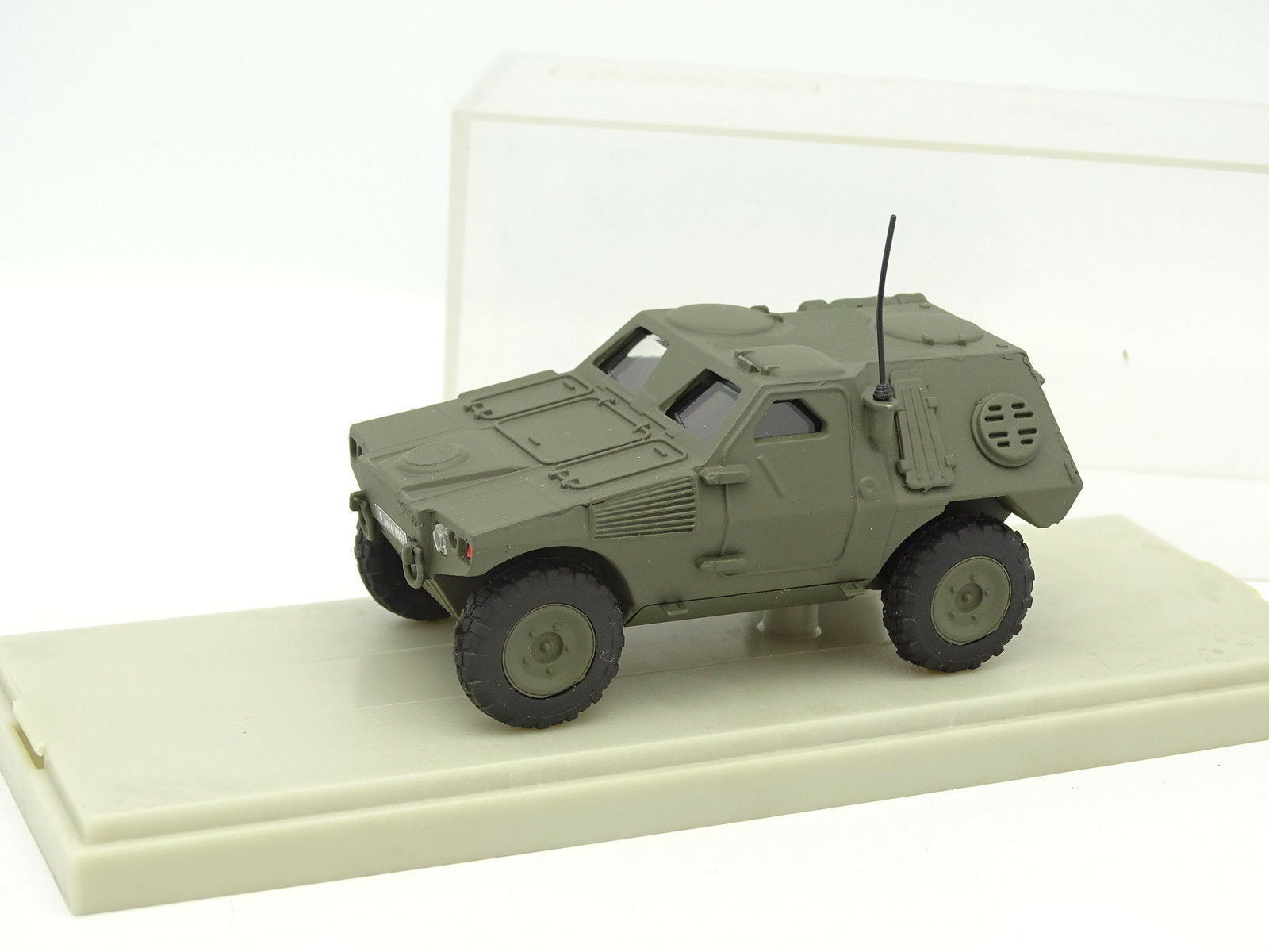 Cef replex 1   50 - panhard 4x4 lav military