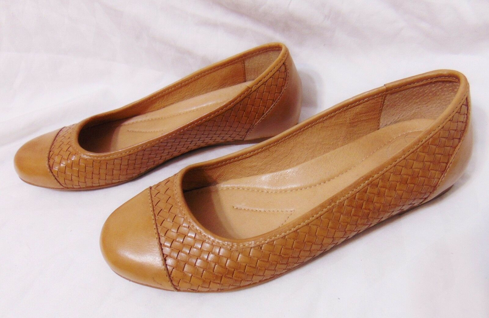 NURTURE Charliee Womens Ballet Flats Style shoes 6.5 M Tan Woven Cap Toe Leather