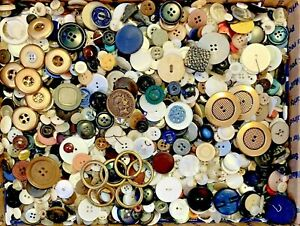 BUTTONS-HUGE-Lot-TWELVE-POUNDS-Vintage-Sewing-Buttons-12lb-Estate-Mix-12PD3