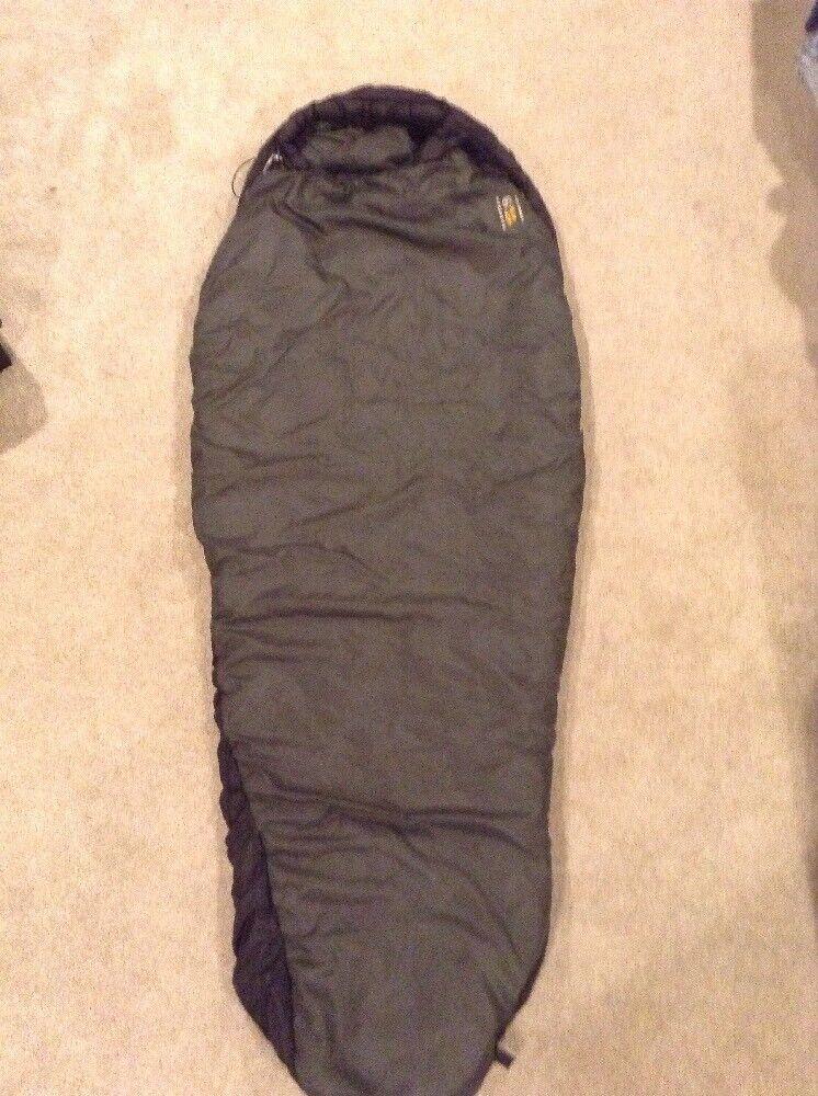 Mountain Hardwear Lamina 32 Synthetic Mummy Sleeping Zak 30 x 75 groen