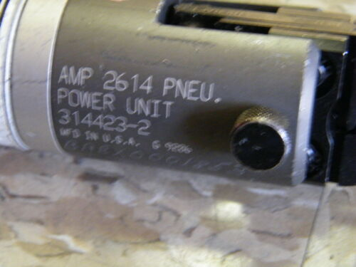 AMP 2614 314423-2 Pneumatic Power Unit and Red 22-18 AWG Jaws