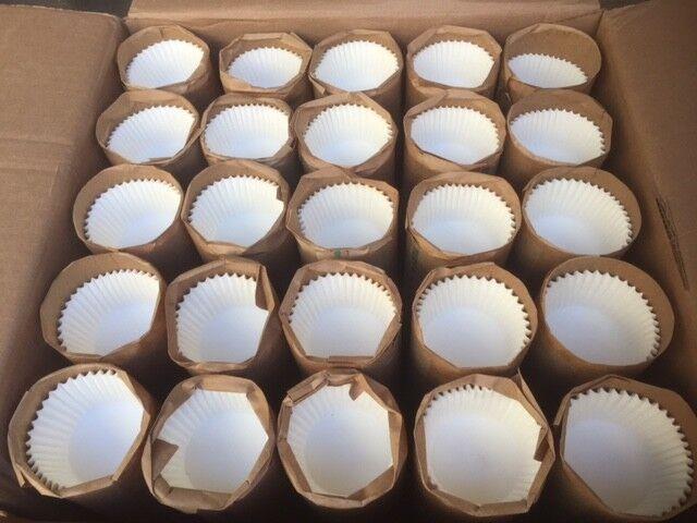 (cas de 15,625) vrac Blanc Baking Cups cannelée Liners Cupcakes Muffin 2 1 4 nouveau