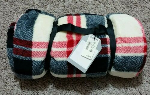 Plaid Brand New Fleece Stadium  Blanket//picnic blanket rockbottom price