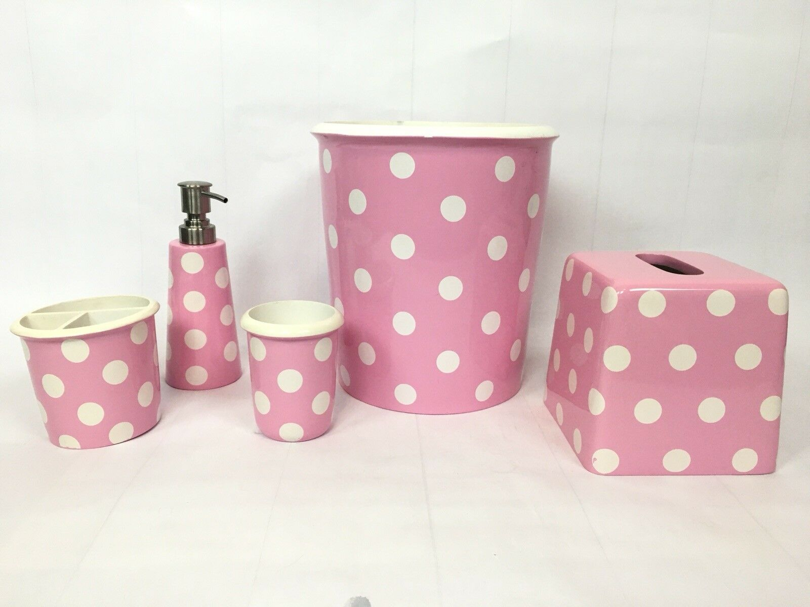 Pottery Barn Kids rose Polka Dot Complete Bathroom Set   Trash Soap Holder Cup