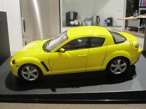 1-18-AUTOART-75926-2003-MAZDA-RX-8-RH-DRIVE-LIGHTNING-YELLOW