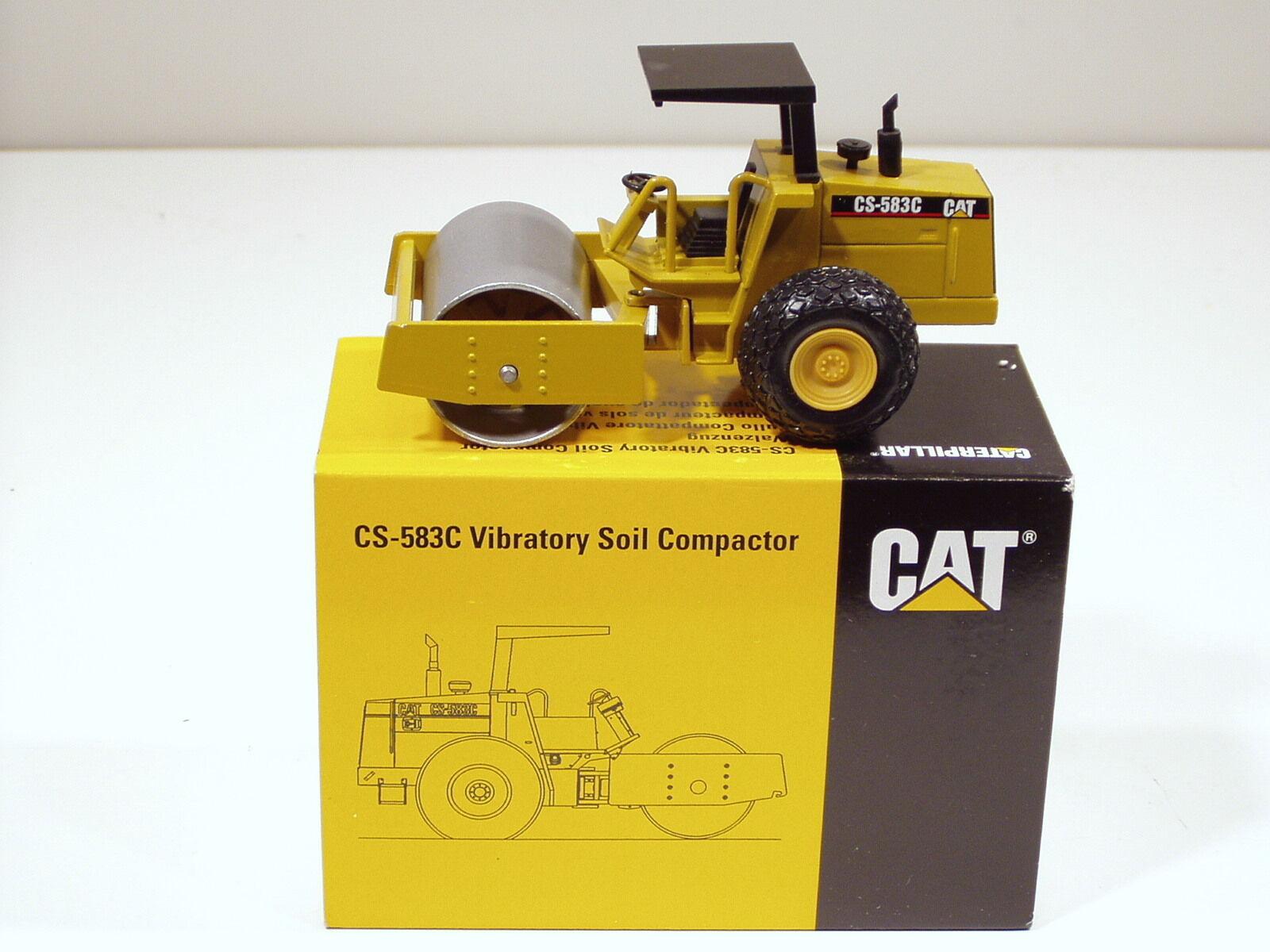 Caterpillar CS583C Rouleau, Rops -  Lancement Edition  - 1 50 - NZG  402 - En parfait état, dans sa boîte
