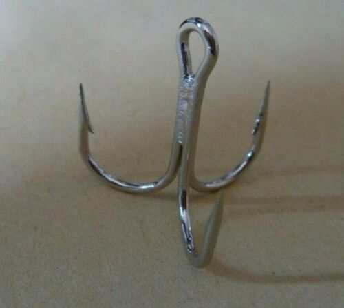 10 or 20 EXTRA  STRONG MUSTAD NICKEL PLATED TREBLE HOOKS SIZE 2 6  PIKE LURES