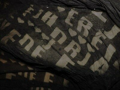 tissu dentelle resille col noir brode lettres 50x150 cm