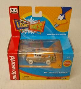 Rare-Auto-World-1957-Chevrolet-Suburban-Looney-Tunes-I-Wheels-Chase-1-Of-150