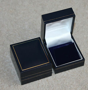 A Pair of Elegant High Class Jewelery boxes  White Satin in Blue Boxes  Pads - Chesterfield, Derbyshire, United Kingdom - A Pair of Elegant High Class Jewelery boxes  White Satin in Blue Boxes  Pads - Chesterfield, Derbyshire, United Kingdom