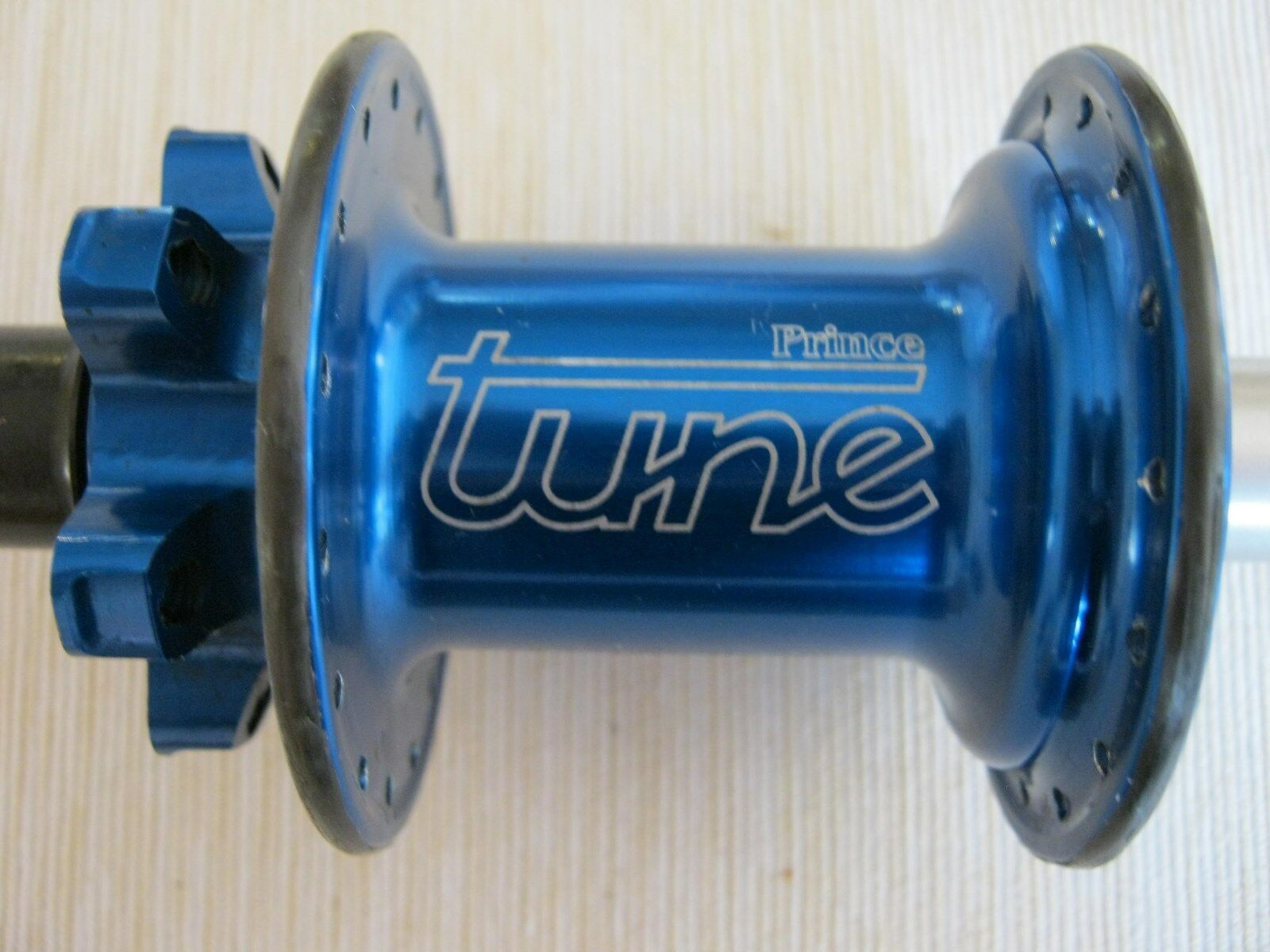 TUNE  PRINCE REAR DISC HUB, 32h, WITHOUT redOR, VGC  save up to 30-50% off