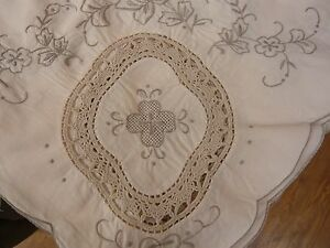 Large-Vintage-Cream-Madeira-Hand-Embroidered-Crochet-Lace-Inserts-Tablecloth