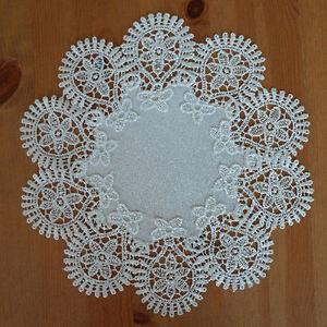 Tischdecke Deckchen ca. 30 cm rund Tischset -  weiß mit Spitze - NEU