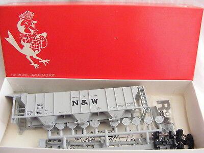 Vintage HO Scale Robin/'s Rails Louisville /& Nashville 38598 3 Bay Covered Hopper