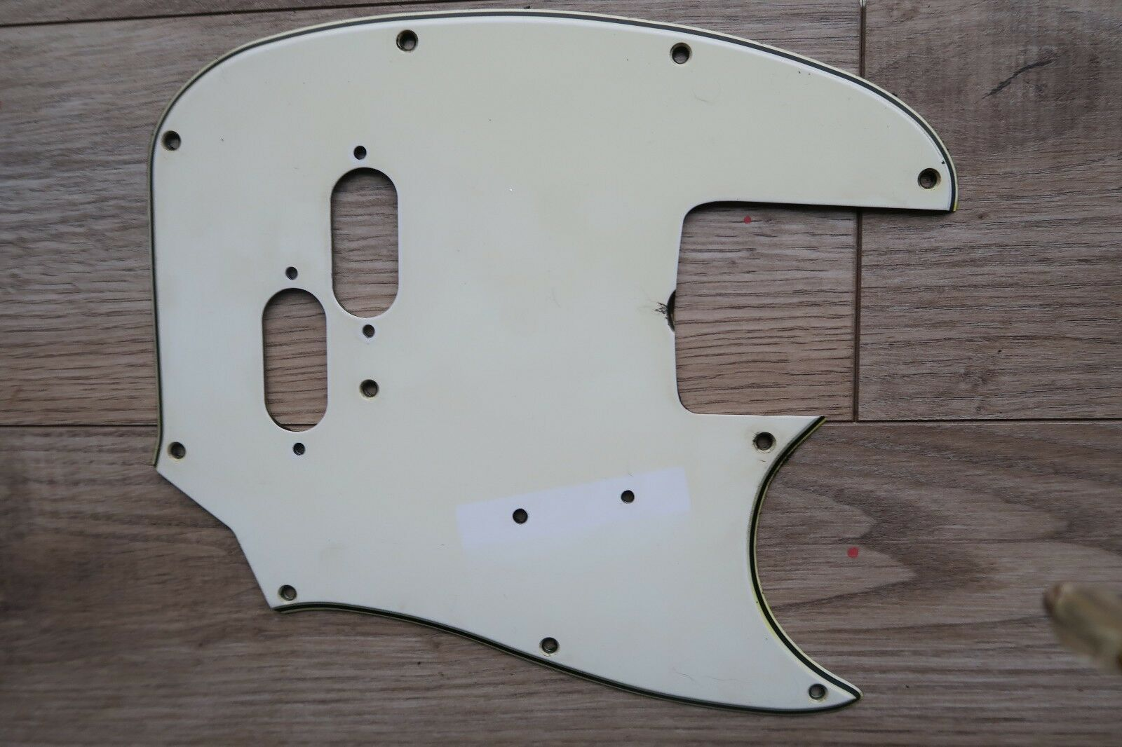 '66 '71 Fender Mustang bass  pickguard 67 68 69 70 3 ply Weiß vintage relic USA