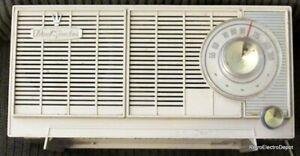 Vintage-General-Electric-T-1420-Dual-Speaker-AM-Radio-Works-Great