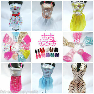LOT-OF-12-15-or-20-BARBIE-DOLL-SHORT-DRESSES-SHOES-BOOTS-ACCESSORIES-UKSELLER