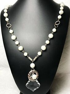 Vintage-80s-Necklace-Silver-Pearls-Clear-Acrylic-Pendant-Costume-Jewelry