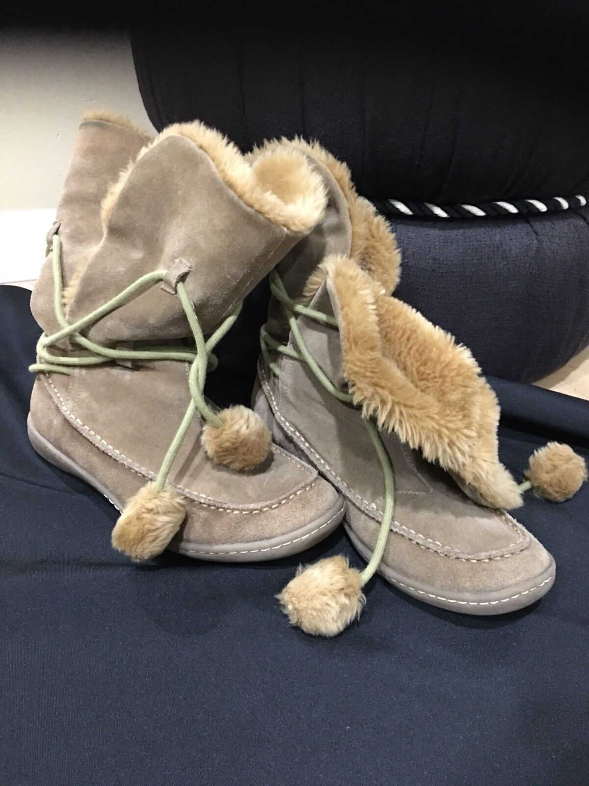 NEW Steve Madden Womens Tan Brown  Iglou Suede Faux fur Moccasin Boots Sz 10