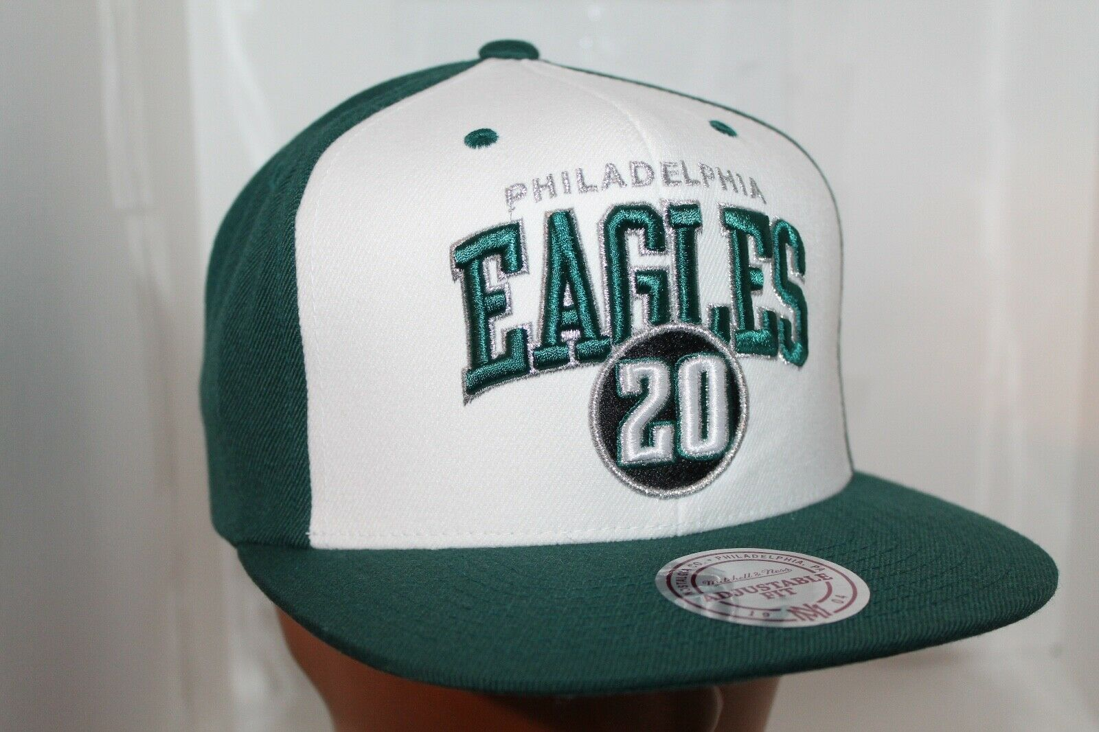 Mitchell and Ness NFL Philadelphia Eagles Embroidered Eagle Logo Snapback Cap