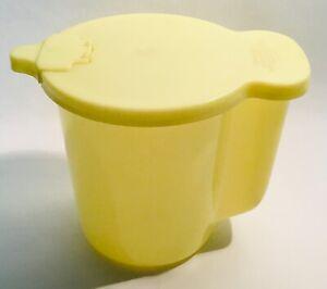 Vintage-yellow-TUPPERWARE-131-Creamer-Milk-Pitcher-jug-milchkanne-pot-a-laIt