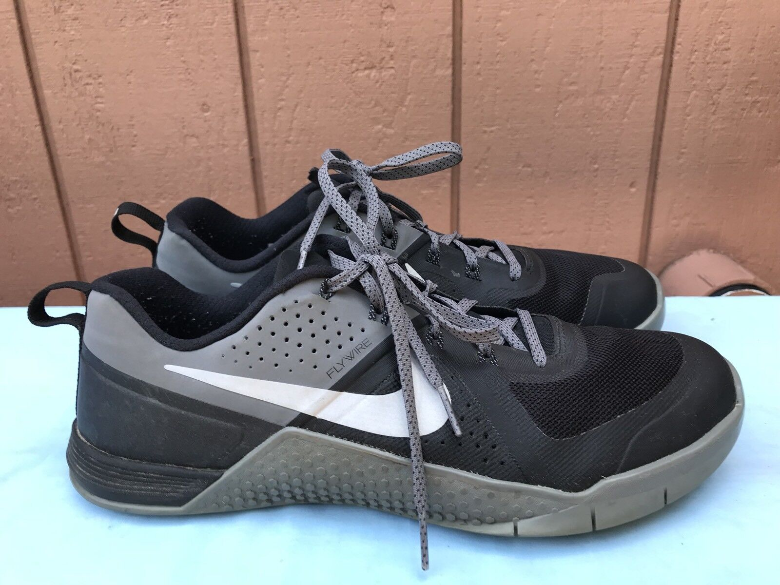 EUC NIKE Men's SZ US 10 METCON 1Training CrossFit Shoes 704688 002 Grey Black A6