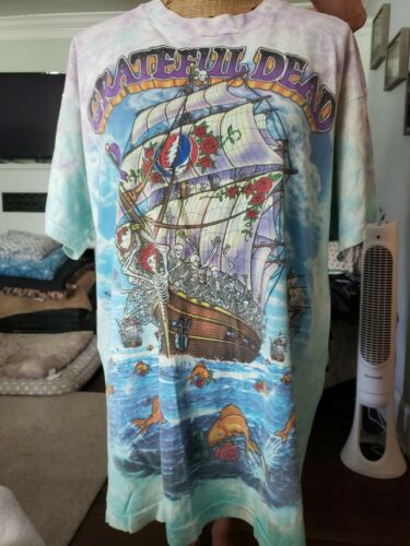 "Vintage Greatful Dead""Ship of Fools"" t shirt."