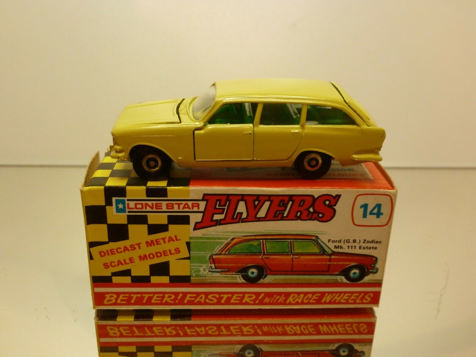 FLYERS LONE STAR  14 FORD ZODIAC Mk 111 ESTATE - 1 59 - VERY GOOD IN BOX  (IMPY)  dégagement