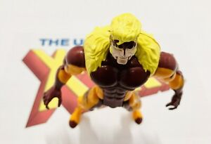 The-Uncanny-X-Men-Sabretooth-Action-Figure