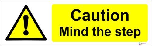 Attenzione-mente il passo impermeabile di Avvertimento Adesivo Avviso 200mm x 50mm Giallo
