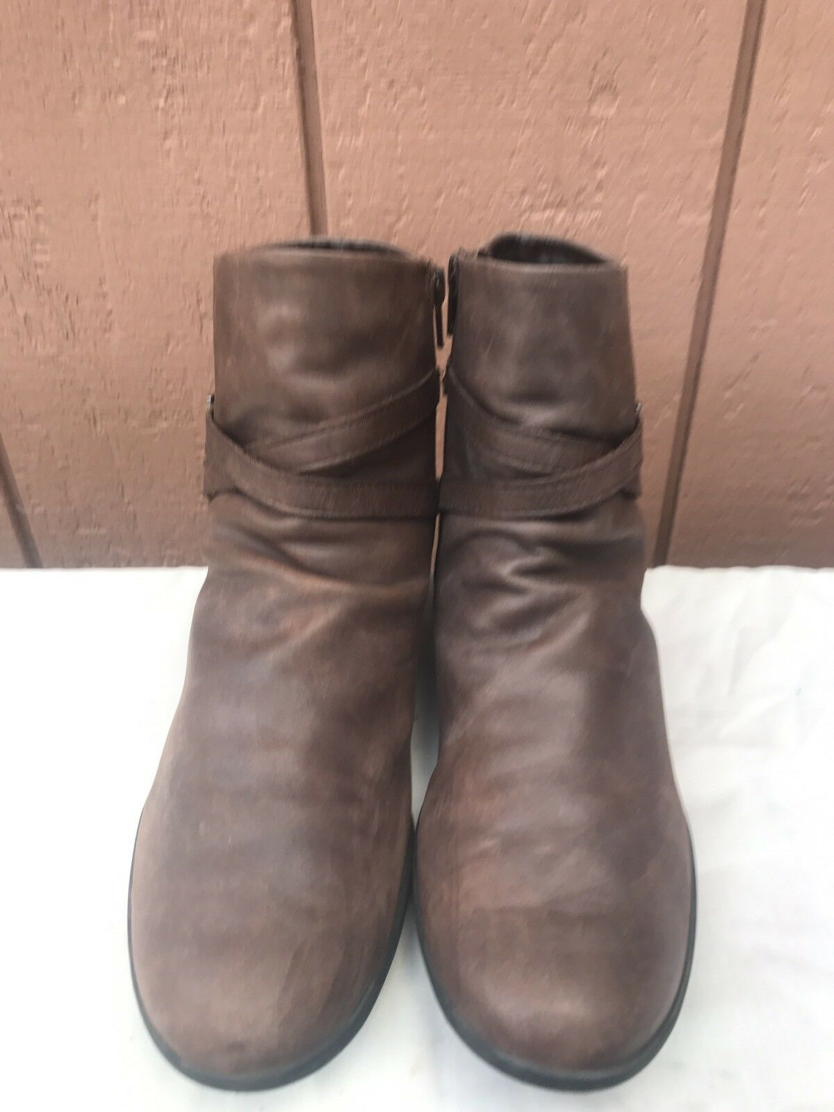 EUC MEPHISTO COOL-AIR Women's US 8.5 Brown Belted Leather Ankle Boots Booties