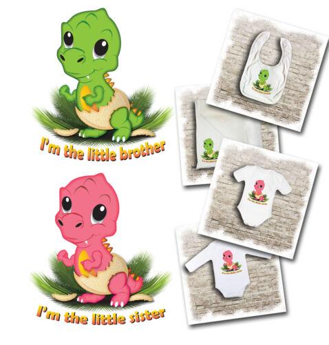 """bavoirs /& musulmans. /""""je suis le petit frère sœur/"""" dinosaure thème baby bodysuits"""