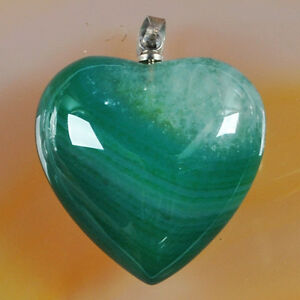 Pendant-Lovely-Green-Druzy-Agate-Heart-on-a-White-Gold-Filled-Chain