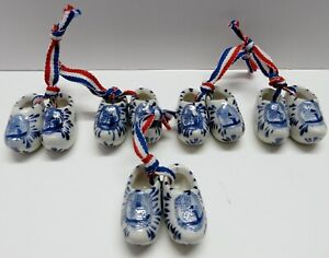 Ornamental ceramic Holland mini shoes with hang ribbon / Lot of 5 pairs / 4 cm