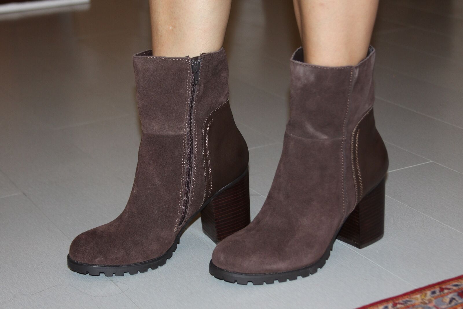 STEVE MADDEN VALORIE BROWN SUEDE ANKLE BOOT SZ 10