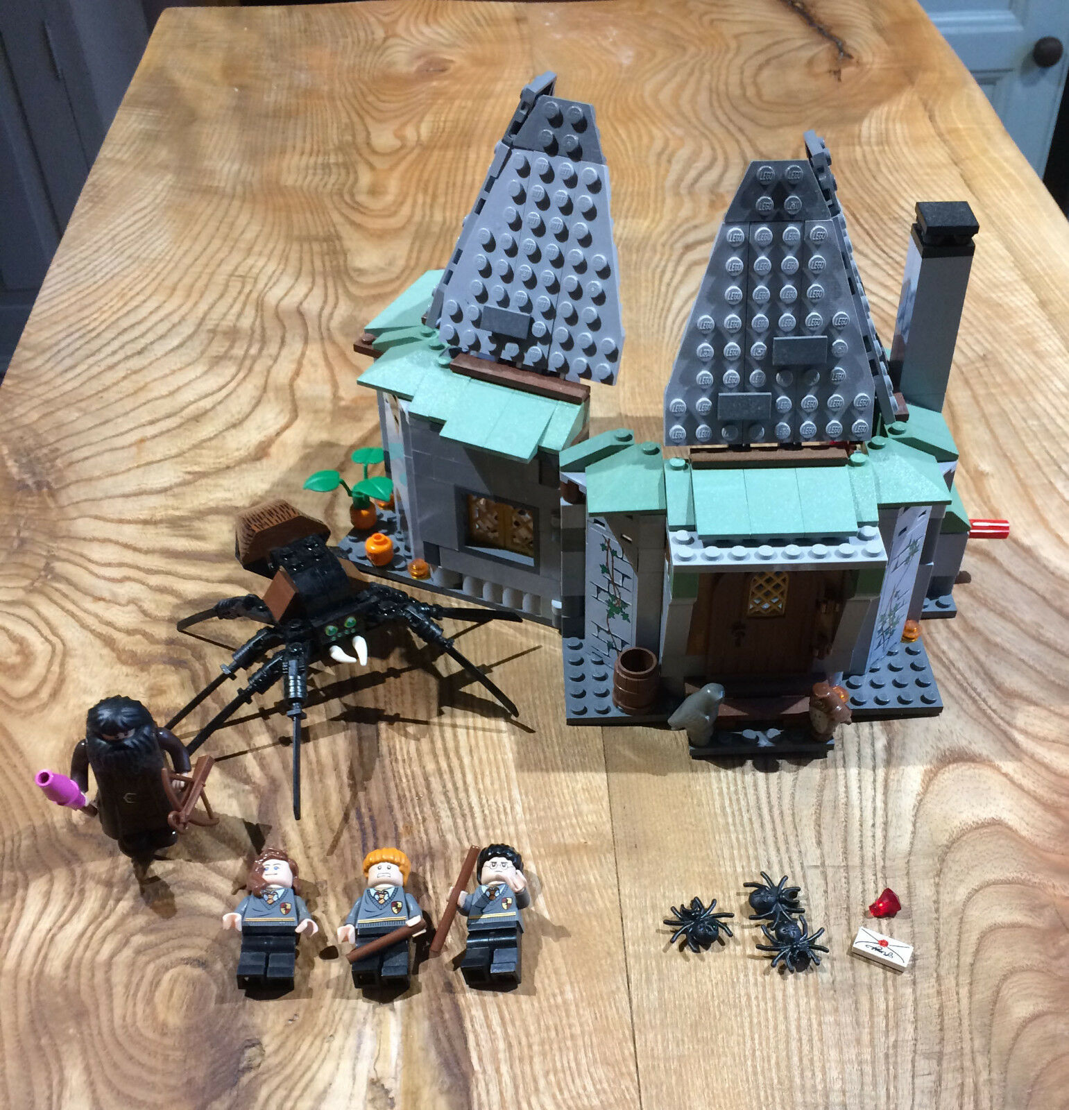Lego Hagrids Hut  Harry Potter  With Mini Figures