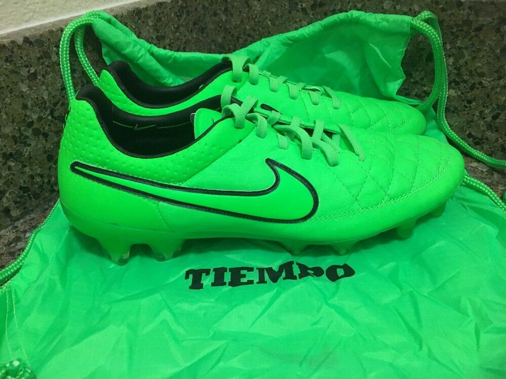 Nike Tiempo Legend V FG Soccer Cleats Green 631518-330 Men SIZE 8 US