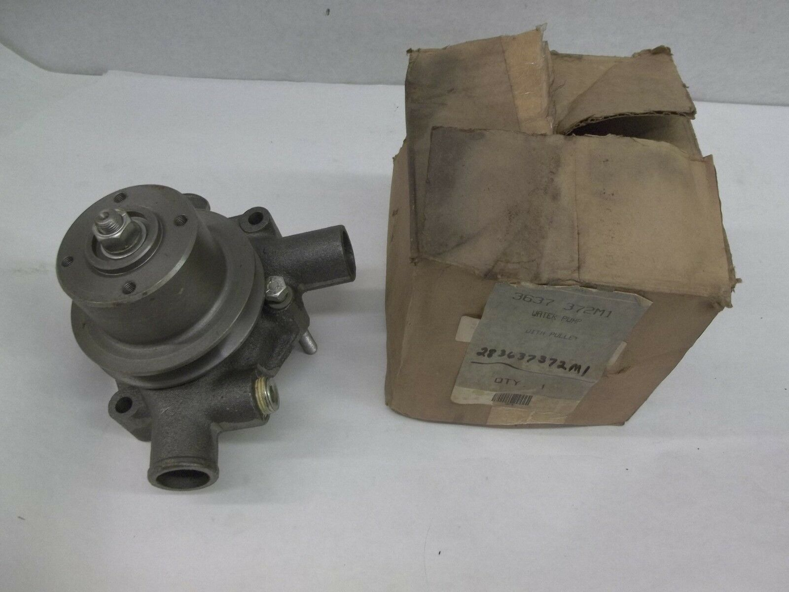 741103M1 S60453 3 Groove Water Pump Pulley fits Massey Ferguson Tractor 285 1080