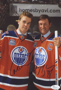 WAYNE-GRETZKY-amp-CONNOR-McDAVID-OILERS-5-x-7-SIGNED-PHOTO-REPRINT