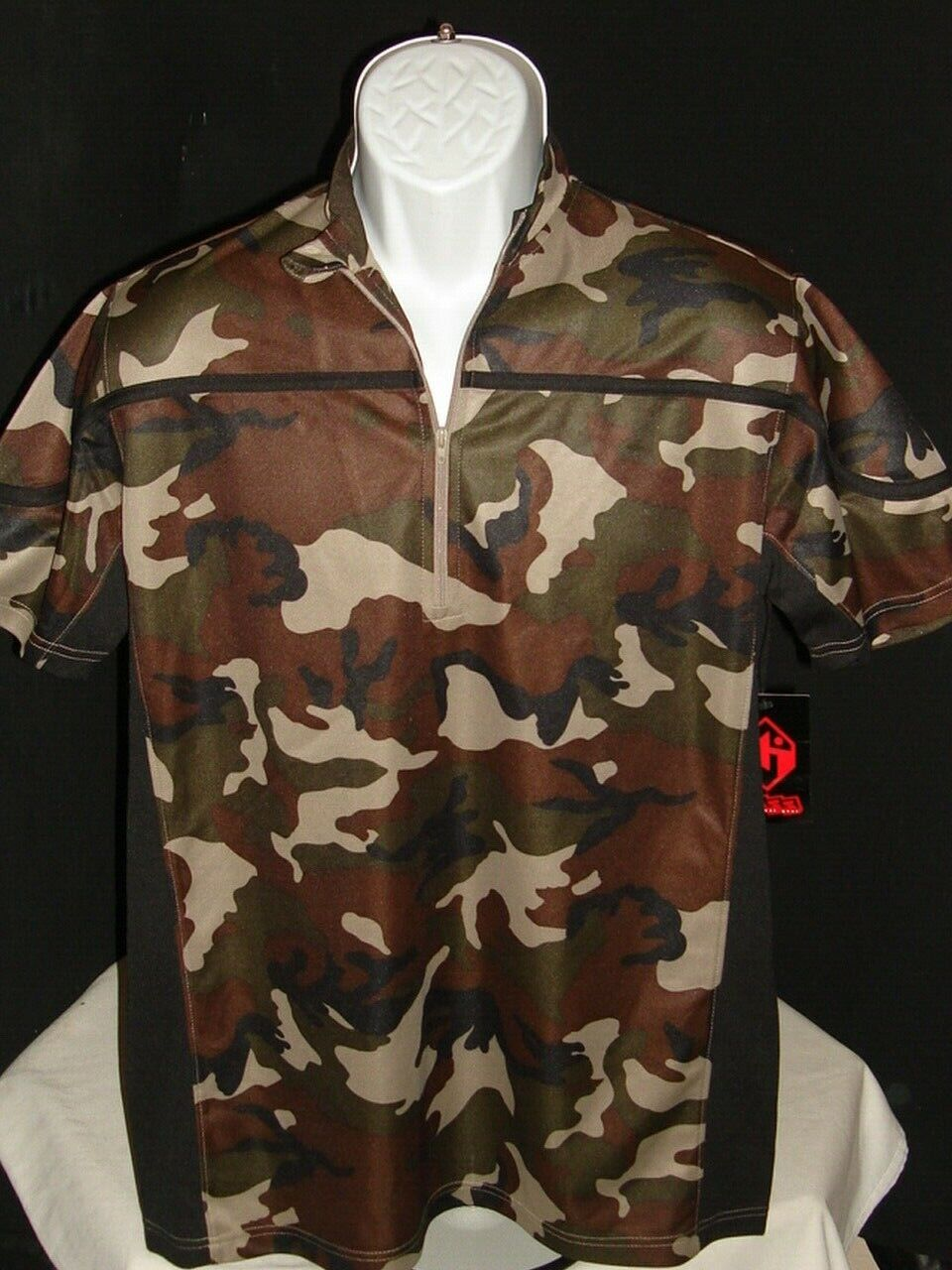 NWT Hoss Technical Gear Red Green Beige Camo Poly S  S MTB 1 2 Zip Jersey Sz. M  authentic
